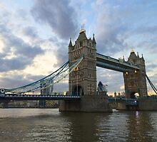 Tower Bridge by jonopeek