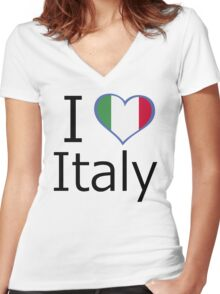 I love Italy Women's Fitted V-Neck T-Shirt