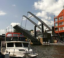 Alphen drawbridge by Matt Emrich