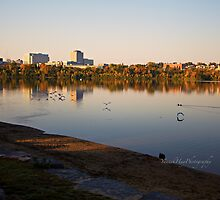 Lake Leamy in Morning Light by Yannik Hay