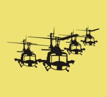 Huey Helicopter Team in Black v1 Kids Tee