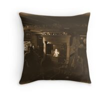 The welcoming fire Throw Pillow