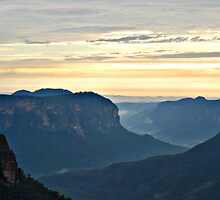 Misty Blue Mountain Sunrise - Govetts Leap by Bev Woodman