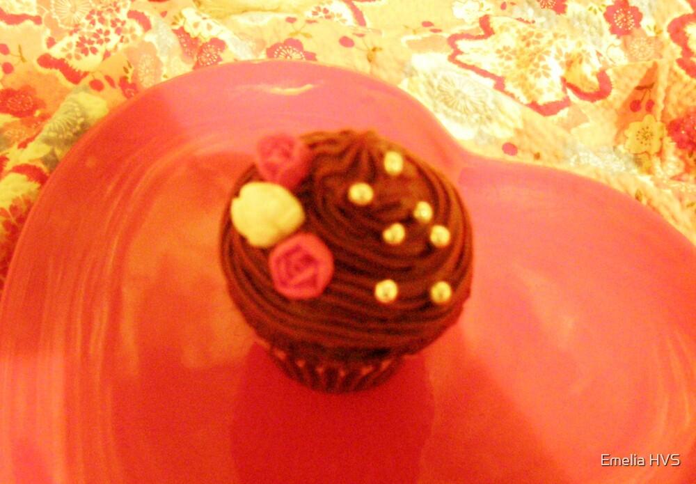 romantic cup cake by Emelia HVS