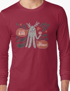 Cute and Creepy Vampire illustration...with a cupcake Long Sleeve T-Shirt