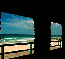 Newcastle Beach  by Kylie Reid