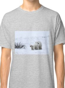 Polar Bear Mother & Cub in the Tundra Classic T-Shirt