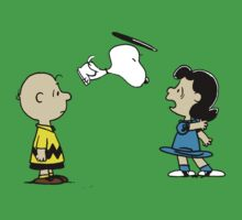 Snoopy And Lucy Peanuts by Silvanust