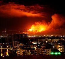 Devils Peak Ablaze 17 March 2009 by Macky