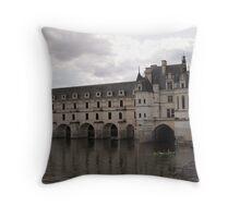 Château de Chenonceau Throw Pillow