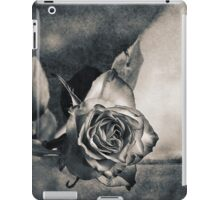 Rose and Sparrow iPad Case/Skin