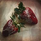 Strawberry Delight. by mariarty