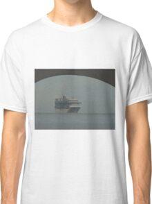 cruiser at a hazy day - crucero en un día calinoso Classic T-Shirt