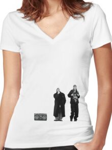Jay and Silent Bob at the Quick Stop Women's Fitted V-Neck T-Shirt