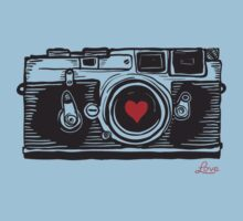 Leica Love! Kids Tee