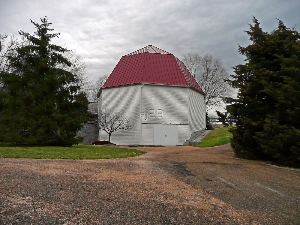 1915 Octagonal Barn by ej29
