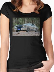 V8 pony Women's Fitted Scoop T-Shirt