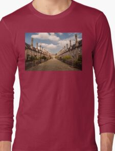 Vicars' Close Long Sleeve T-Shirt