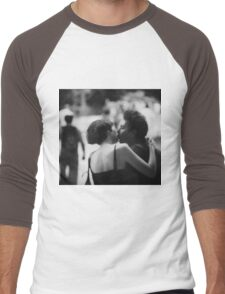 Man and woman kissing in park in black and white analog 35mm film photo Men's Baseball ¾ T-Shirt