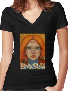 Movement Women's Fitted V-Neck T-Shirt
