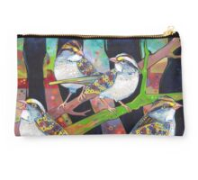 White-throated sparrows Studio Pouch
