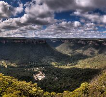 Wolgan Valley - HDR Panorama by Jason Ruth