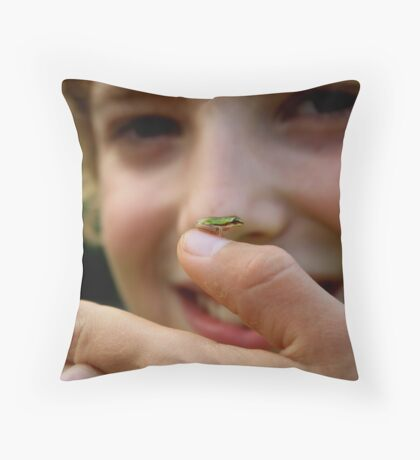 Miniture frog  Throw Pillow