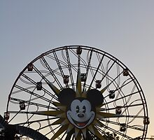 Mickey's Fun Wheel by hilarydewitt