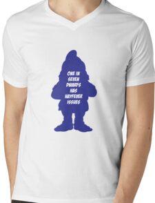 1 in 7 dwarfs has hayfever issues Mens V-Neck T-Shirt