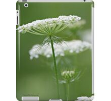 Flower Stack - Queen Anne's Lace iPad Case/Skin