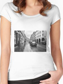 The Royal Mile Women's Fitted Scoop T-Shirt