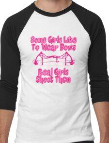 Some Girls Wear Bows Real Girls Shoot Them Men's Baseball ¾ T-Shirt