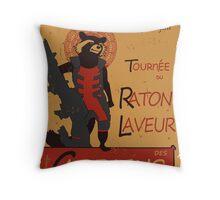 T-shirt Raccoon Rocket tshirt raton laveur tshirt tournée du chat noir tshirt gardian galaxy t-shirt tournee du raton noir Throw Pillow