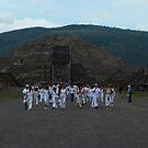 Mas de Teotihuacan by johnny hancen