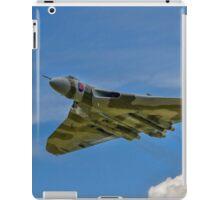 Avro Vulcan B.2 XH558 G-VLCN flypast iPad Case/Skin