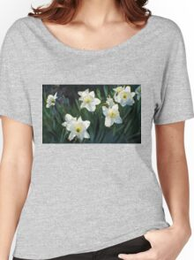 7 ABSTRACT DAFFODILS Women's Relaxed Fit T-Shirt