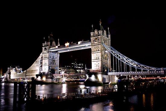 Tower Bridge by Richard Leeson