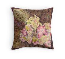 fleures en crepe Throw Pillow