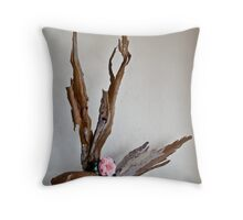 Ikebana-112 Throw Pillow