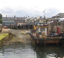 Mallaig fishing harbour by frenzee