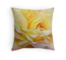 Flora Pastella Throw Pillow