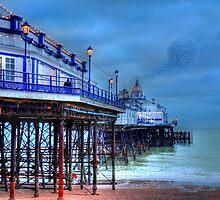 Pier & Starlings, Eastbourne. by fasteddie42