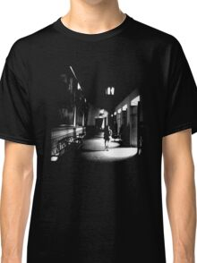 She Walks the Halls Classic T-Shirt