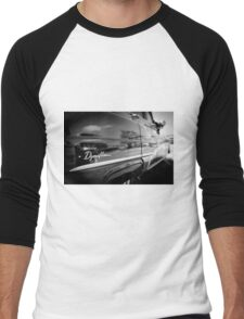 Retro Car #4 Men's Baseball ¾ T-Shirt