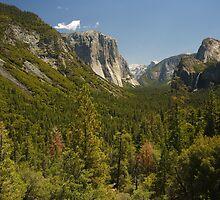 Tunnel View Yosemite by Adam Bykowski