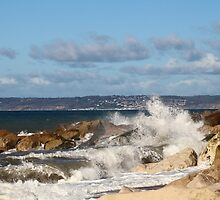 Crashing Waves by rumisw