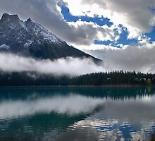 Emerald Lake, Yoho National Park, BC,  Canada. by photosecosse /barbara jones