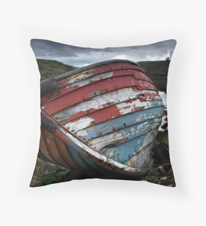 I am a boat Throw Pillow