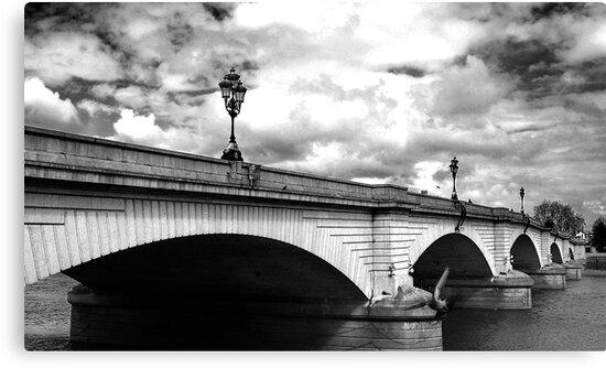 Putney Bridge by Kim Jackman