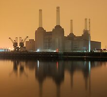 Battersea Power Station  by duroo